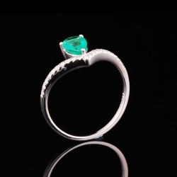 Emerald Lady's Ring
